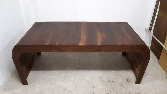 Secretária em madeira maciça executada por carpinteiro, modelo único