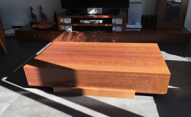 Mesa de centro em madeira de qualidade