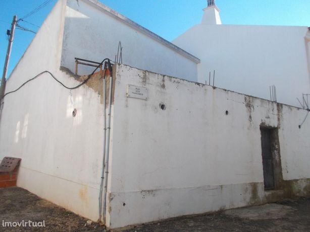 Casa em aldeia típica Alentejana