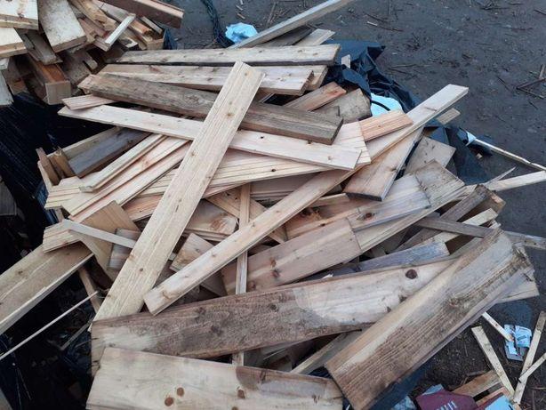 Drewno opałowe, trociny, ścinki drewna, - suszone komorowo, opał