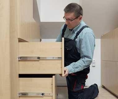 Сборка,  разборка,  ремонт корпусной мебели