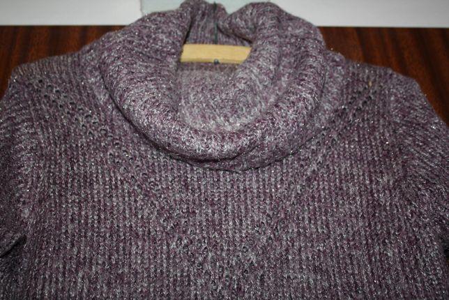 sweter z golfem i kieszeniami w rozm. 40