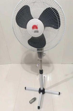 Напольный вентилятор с таймером и пультом