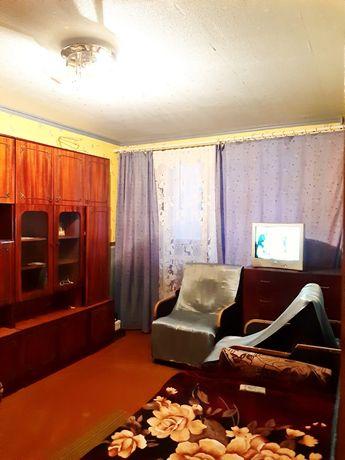 Сдам 1 ком кв на Дружбы Народов  2/9 Свободна ,чистая ,уютная квартира