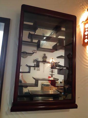 Armário vitrine espelhada