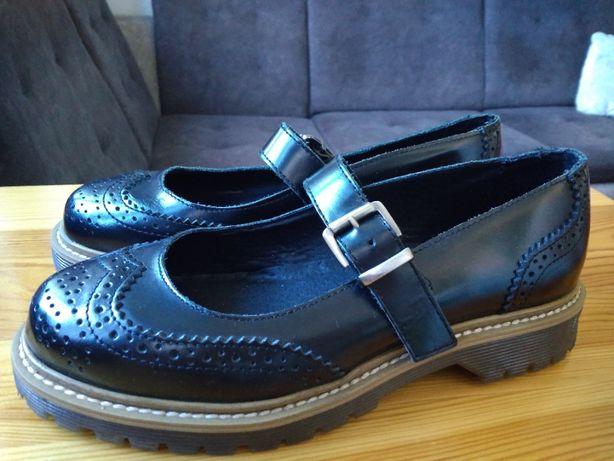 NOWE buty na koturnie, office girl rozmiar 38 ażurowe, damskie, czarne