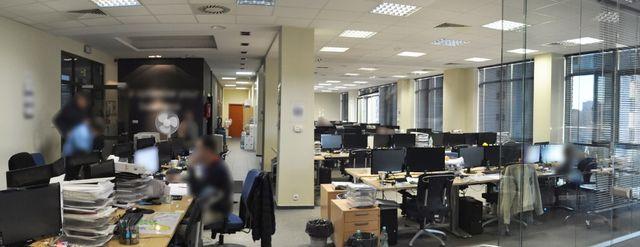 KLIMATYZOWANY 286 m lokal w biurowcu z 6 miejscami parkingowymi METRO