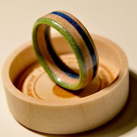 """Ręcznie robiony błyszczący pierścionek z klonu kanadyjskiego """"UNISEX"""""""