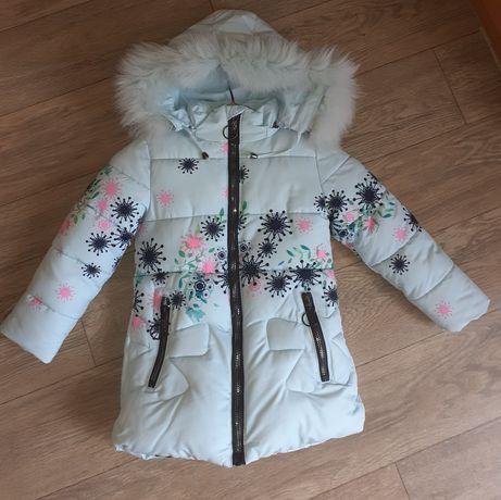 Зимнее пальто куртка на девочку.