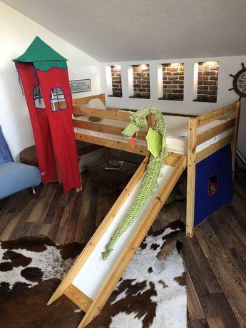 Кровать с горкой и лестницей