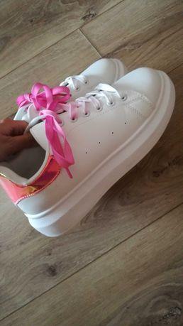 Sportowe buty damskie r.38