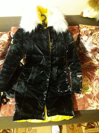 Продам зимову куртку на дівчинку підлітка
