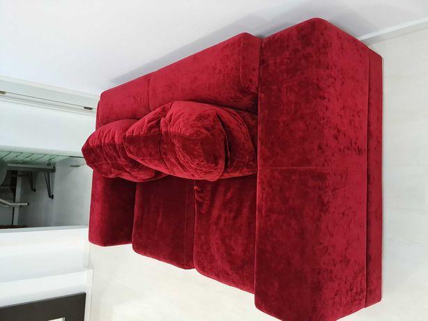 Sofa veludo encarnado