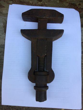Ключ-молоток старинный