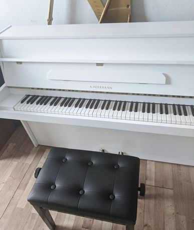 Pianino Herrmann białe od stroiciela