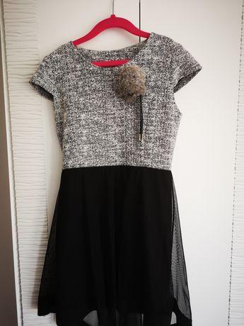 Sukienka z tiulem 134-140