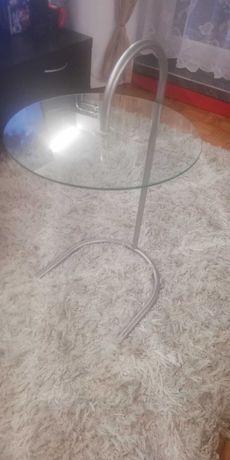 Mały szklany stolik