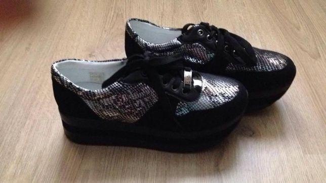 Sapatos plataforma (Novos)