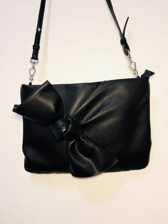 Чёрная маленькая сумочка