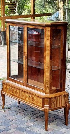 Витрина, сервант, шкаф для коллекций- Франция!
