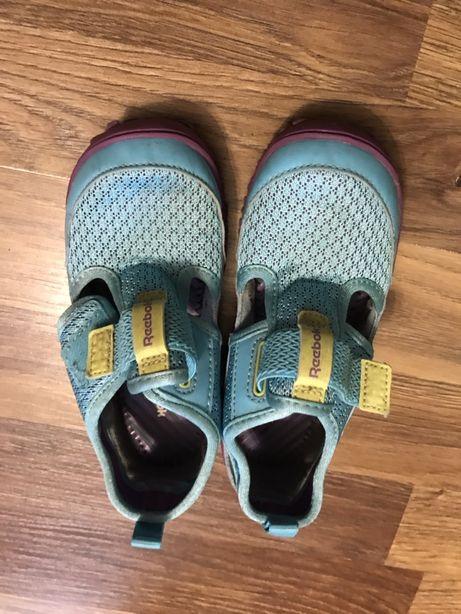 Buty na lato dla dziewczynki REEBOK, rozmiar 26