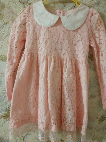 Нежное платье на 2.5-3года