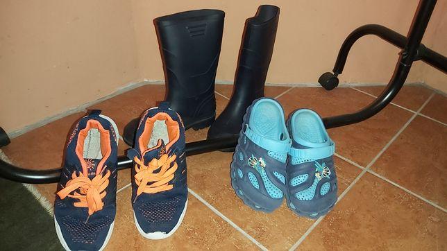 Резиновые сапоги 35р кроссовки кроксы. Все 3 пары за 150грн