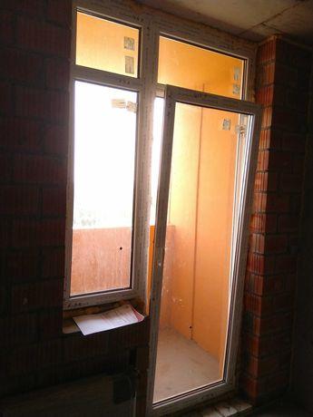 Металлопластиковое окно дверь балконный блок REHAU из новостроя новое
