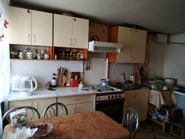 Продам дом в Кировском районе 27 соток земли, 10 соток(гос акт)