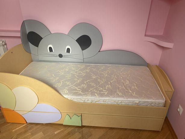 Меблі в дитячу кімнату для дівчинки + подарунок два килима!!!