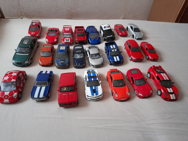 Машинки 23 штуки
