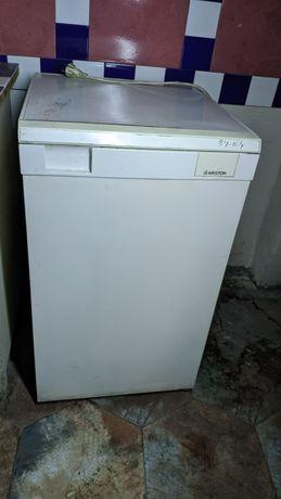 Ariston холодильник