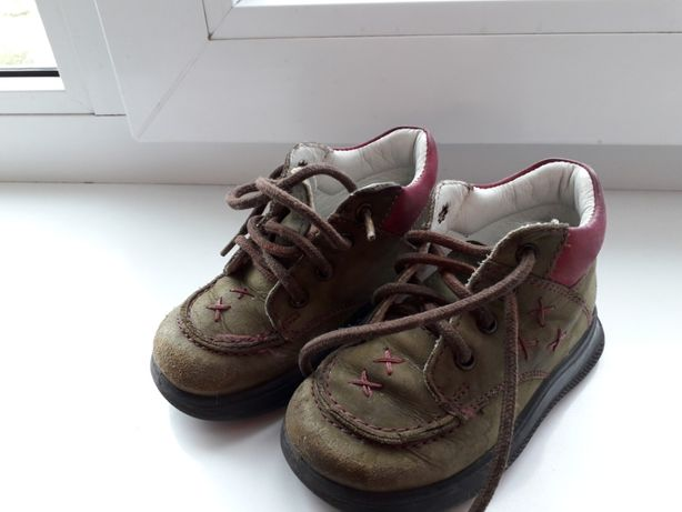 Продам демисезонные ботинки бу р.20