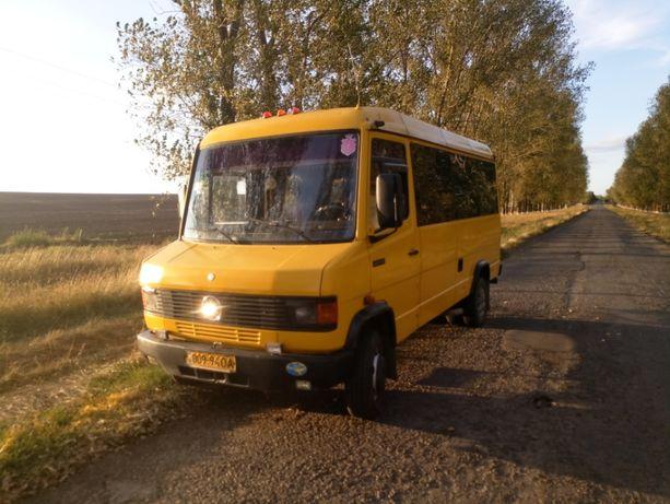Автобус Mercedes-Benz 609D