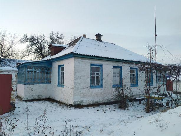 Продам дом будинок в центрі села Лозівок біля міста Черкаси