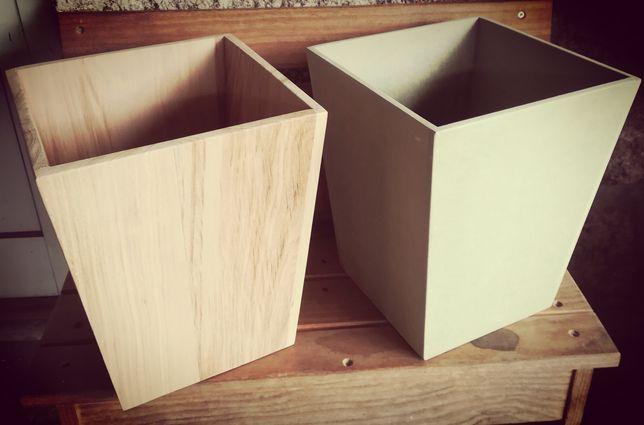 Balde / vaso em madeira ou placa