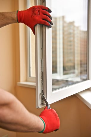 Ремонт и регулировка окон/дверей, замена уплотнителей, герметизация.