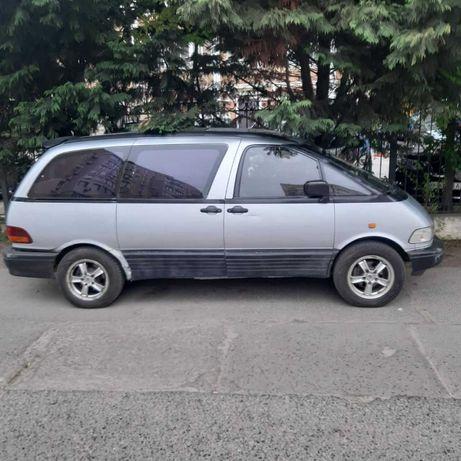 продам Toyota Previa 1993 год