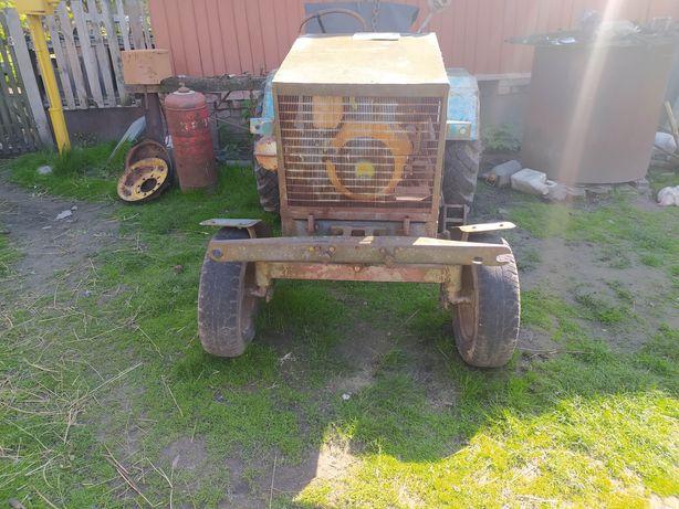 Трактор дизельный