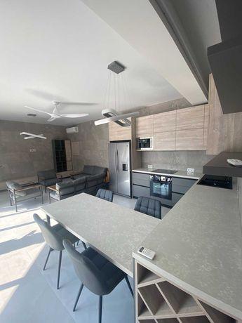 Дом с ремонтом 220м2 в Совиньоне. 1A15