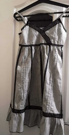 Letnia sukienka z połyskującą nitką rozm 152 H&M