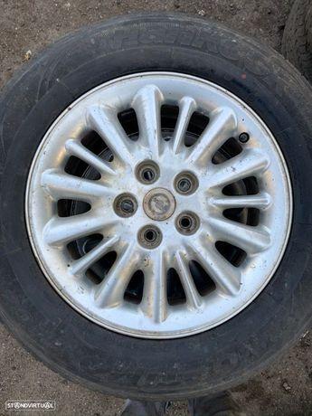 4 Jantes R16 Chrysler 5x114.3 com pneus 215/65R16