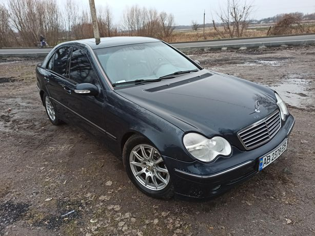 Продам Mercedes w203 C220 CDI Awantgarde