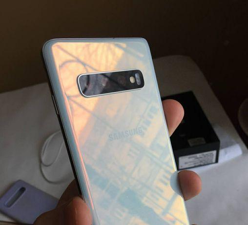 Samsung Galaxy S10 128gb + (СТРАХОВКА НА ДИСПЛЕЙ)
