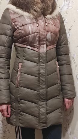 Пуховик зимний.В отличном состоянии