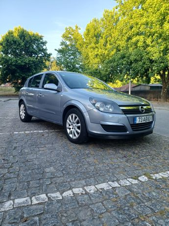 Opel astra 2005. 5lugares