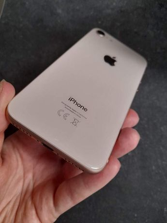 Iphone 8 golden rose 64GB stan idealny