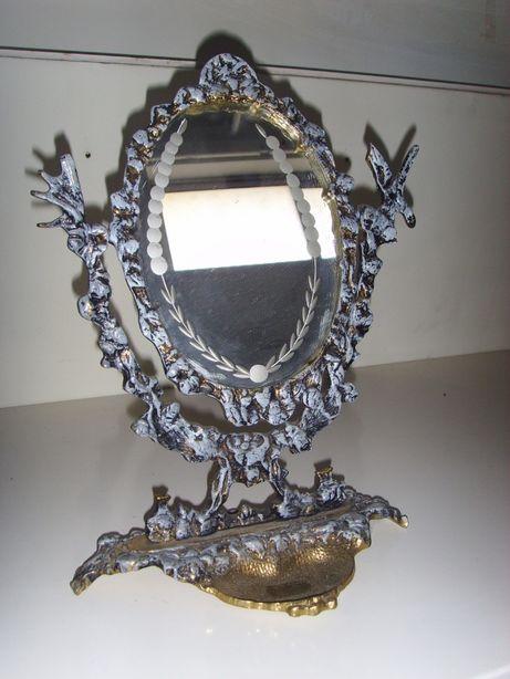 Espelhos de mesa antigos em metal dourado e pintados à mão