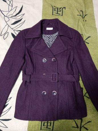 Полу пальто демисезонное женское фиолетовое размер 40, состояние новое
