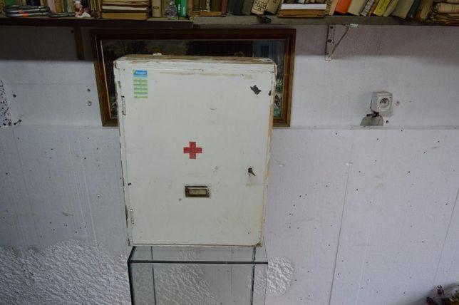 stara szafka/apteczka